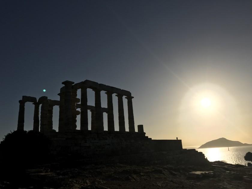 Risultati immagini per colonna greca capo sounion